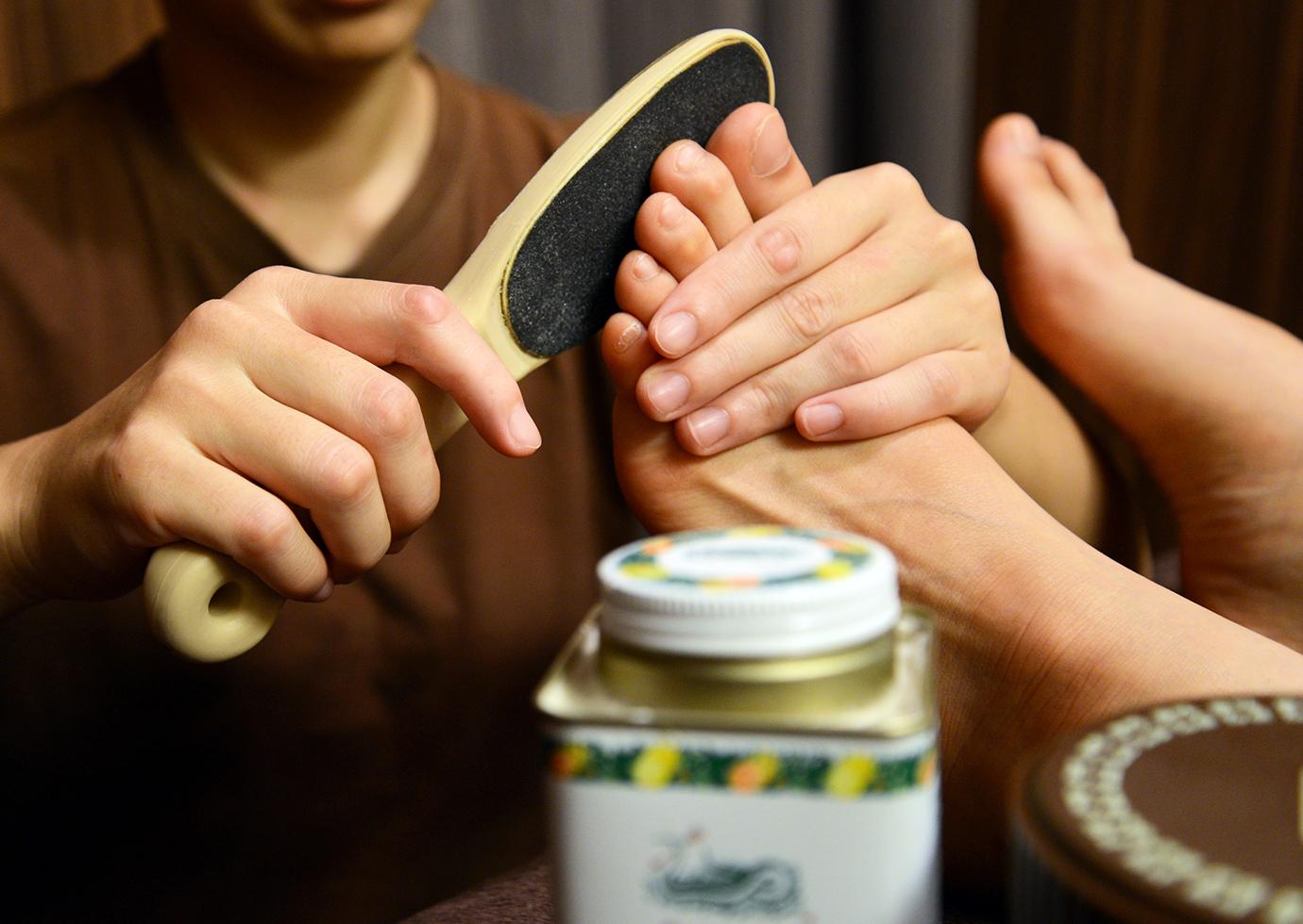 足角質ケア
